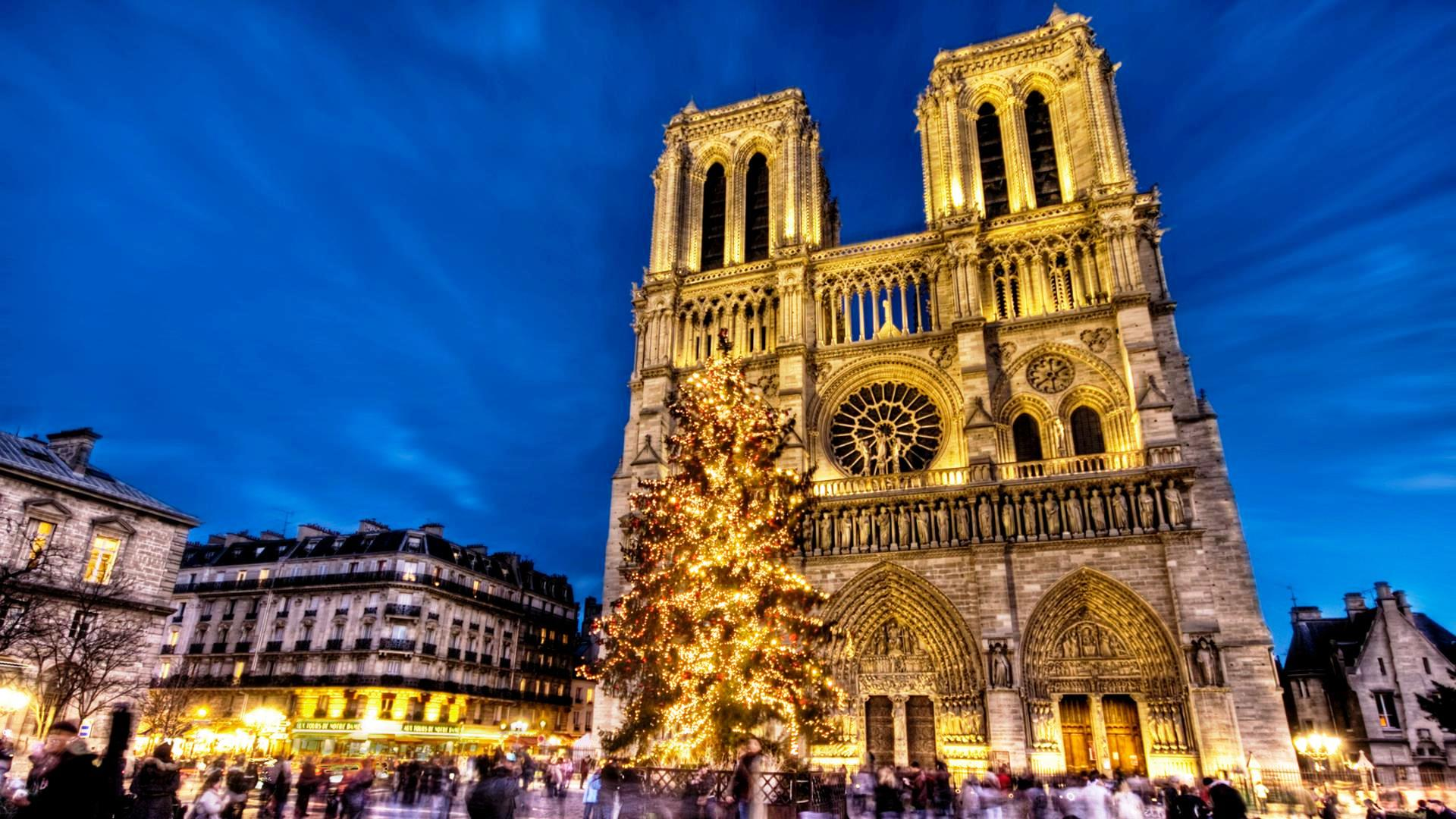 notre_dame_cathedral_in_paris_at_christmas_hdr-1515899