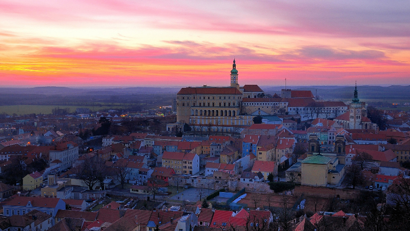 czech-republic-city-evening-sunset-houses_1920x1080