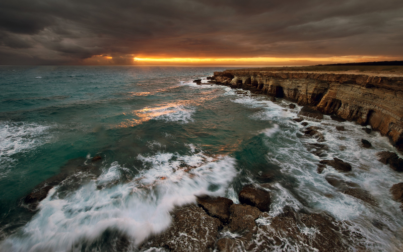 cliffs-coast-long-exposure-nature-sea-1819105-2880x1800