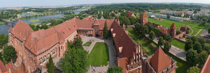 1368195735_malbork_castle3